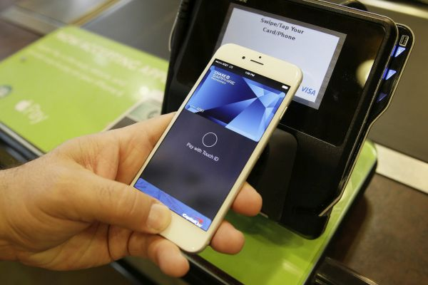 Apple Pay Mobile iPhone Payment System